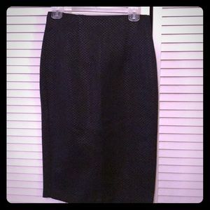 NWT Black woven pencil skirt size 4